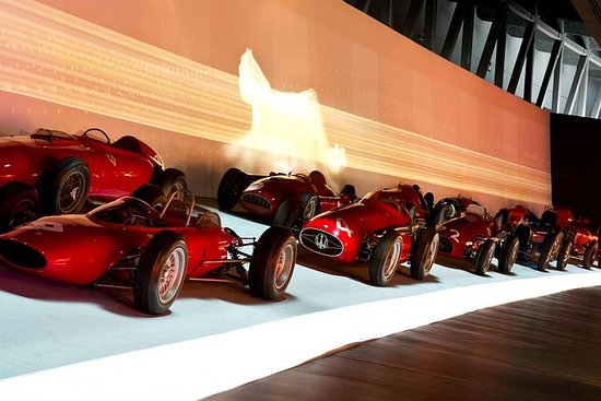 Museu Nacional do Automóvel e...