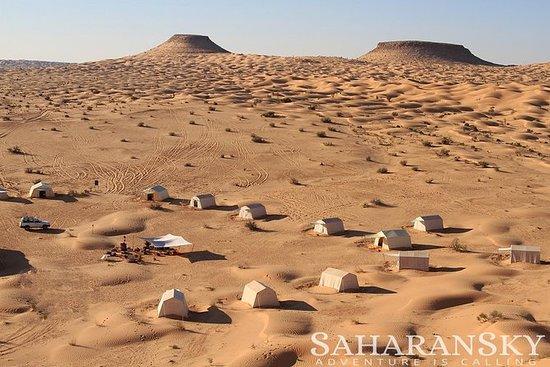 Durante a noite Tunísia Sahara Desert...
