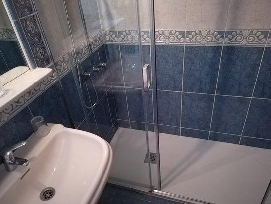 Hospederia Real Monasterio: baño