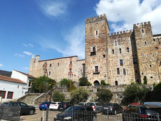 Hospederia Real Monasterio: Vista general de la parte del monasterio en el que se enclava la hospedería