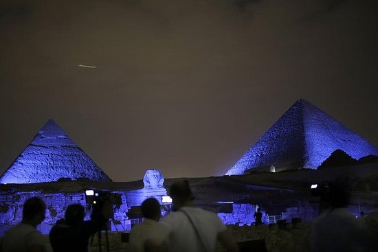 ピラミッド周辺のサンセットでラクダに2時間、サウンド&ライトショー
