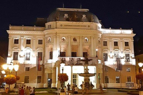 Bratislava: Stadthighlights und Umgebungstour: Hidden Bratislava and surroundings tour in one day