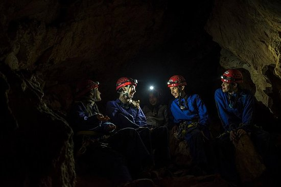 Caving tour near Lisbon