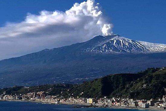 埃特納火山,在地窖裡吃午飯時強度很高