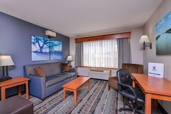 Sitting Area - Selected Guest Rooms