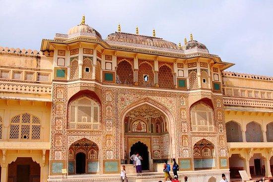 從德里出發的2天齋浦爾之旅的汽車和司機與交通和觀光照片