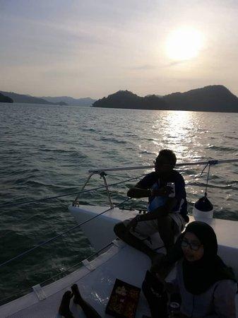 Sunset Yacht Cruise: beautiful sunset
