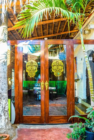 Welcome to La Catrina the best place for food, drinks and good vibes 🍺🤟 #whattodointodossantos #bar #drinks #restaurant #seafood #mojito #todossantos