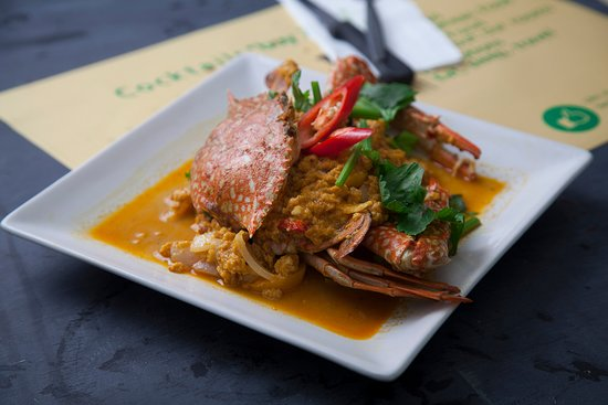 Blue Crab in Yellow Curry
