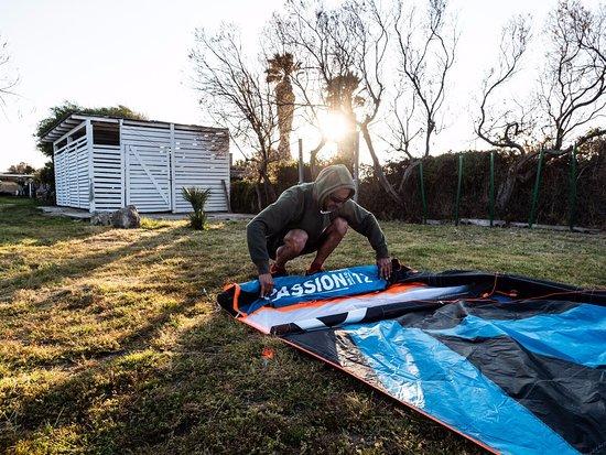 Windsurfing Club Sa Barra: Una giornata al club tra ebike , windsurf , kitesurf
