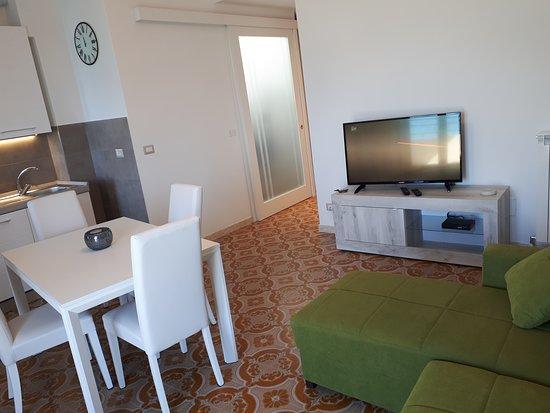 Appartamenti Enrica: Appartamento con vista mare in Localita' Posato