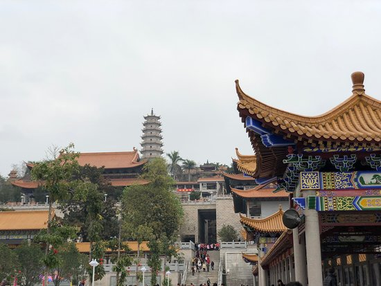 Thousand Buddhas Tower