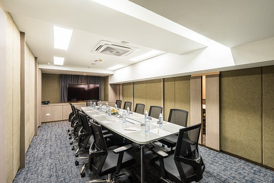 Hotel Verve offer 2 meeting rooms configurable for business gatherings and small-scale conferenc