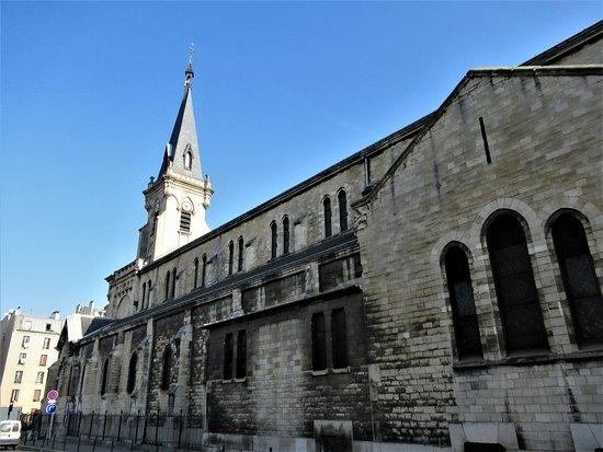 Eglise Sainte Marthe des Quatre Chemins
