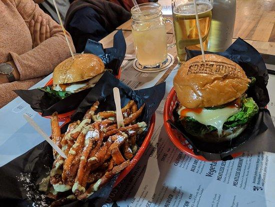 Ronnie Biggs - Burger & Drinks : Hot Jalapeno Burger, Chicken Burger and Sweet Potato Fries