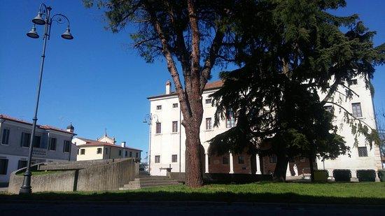 Villadose, อิตาลี: Esterno della struttura
