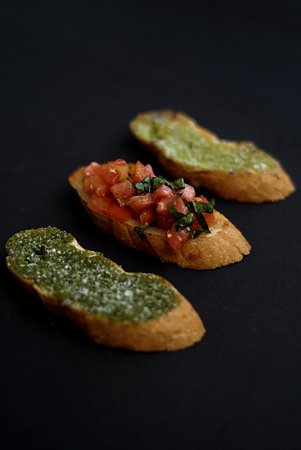 Appetizers are a dishes that are provided to attract someone's appetite and are required to have an arousing taste and need to looks beautiful. Which one do you want for your dinner??