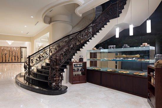 Golden Boutique Hotel Angkasa: Golden Bakery Counter