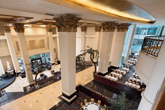 Golden Boutique Hotel Angkasa: Piano Lounge and Asiatique Restaurant