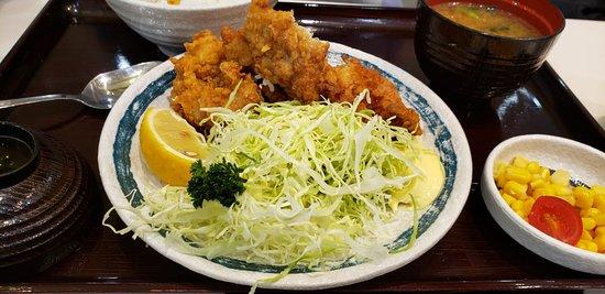 跟札幌拉麵差不多的日本料理