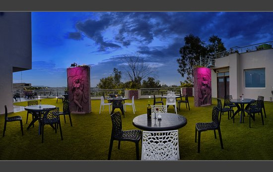 The Exotica Rooftop Restaurant: exotica rooftop restro