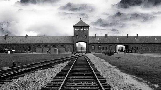 Auschwitz Tours - Krakow Trip