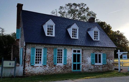 Mobjack Bay Coffee Roasters, Historic Cole Digges House, Yorktown, Virginia.