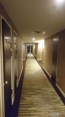 Inter rooms corridore