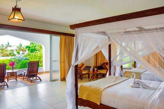 Royal Zanzibar Beach Resort: Superior Twin, two queen size beds.