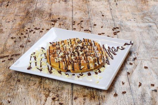 Creams Cafe: -