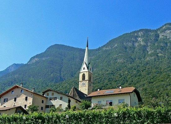 Caldaro sulla Strada del Vino, Włochy: In bellissima posizione