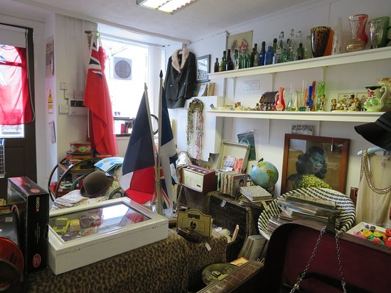 Blakes Vintage and Collectables