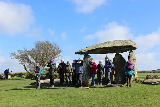 Goodwick, UK: Group tour to Pentre Ifan burial chamber