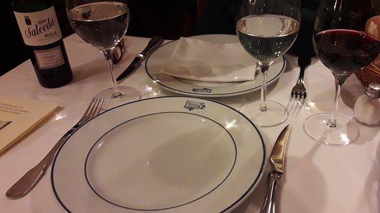 """Italiano A Madrid : Cena fantastica presso il ristorante storico di Madrid """" Sobrino de Botin"""""""