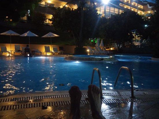 SERHS Natal Grand Hotel & Resort: Last minute bath in the pool
