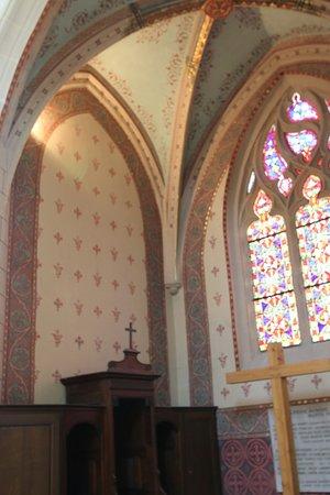 Vue intérieure de cette église - une chapelle