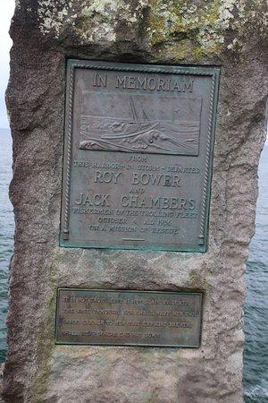Depoe Bay, Oregón: The Bower-Chambers Memorial