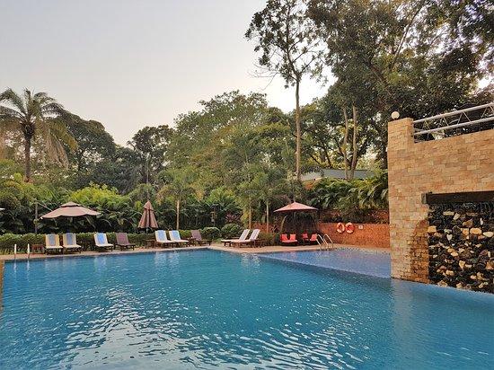 Rose Garden Hotel Yangon: Am Pool