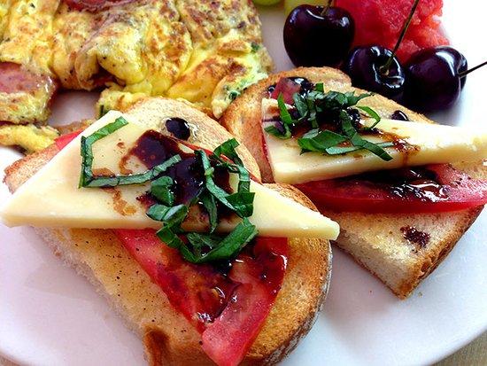 A Seaton Dream B & B : Breakfast prepared by Jamie
