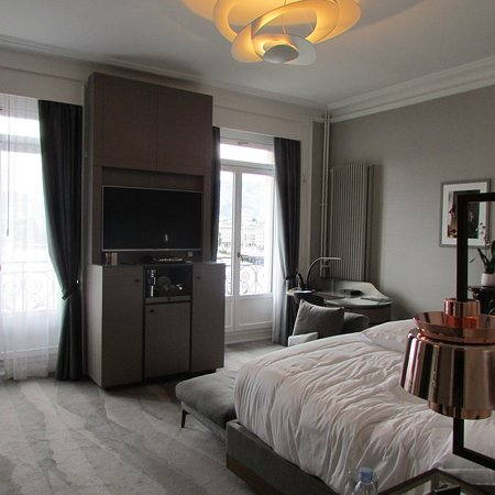 Elegant Sophisticated and the best location in Geneva