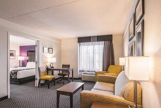 La Quinta Inn & Suites by Wyndham Orem University Parkway : Suite