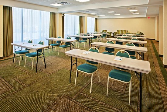 La Quinta Inn & Suites by Wyndham Nashville Airport/Opryland : Meeting Room