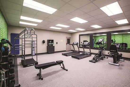 La Quinta Inn & Suites by Wyndham Dallas Northeast-Arboretum: Health club