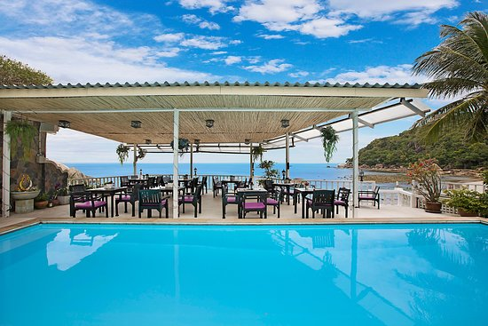 Pool - Picture of Crystal Bay Beach Resort, Maret - Tripadvisor