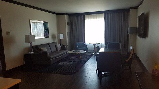 Harrah's Joliet: two room suite
