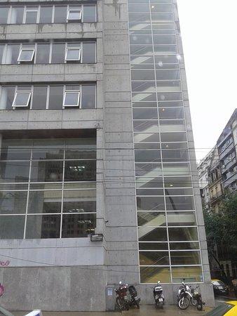 Facultad de Ciencias Económicas - UBA: Facultad de Ciencias Econòmicas de la UBA: Nuevo Anexo- Bs.As.2019.