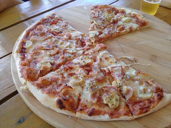 Aborlan, Filippinene: delicious pizza