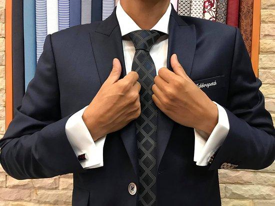 Fiorenzo Tailor: AIA Jakkapetch