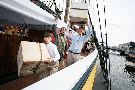 Opptak til Boston Tea Party Ships og...