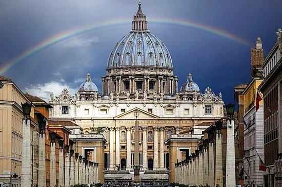 ローマ:バチカン市国とその博物館:ガイド付きツアー、高速入場